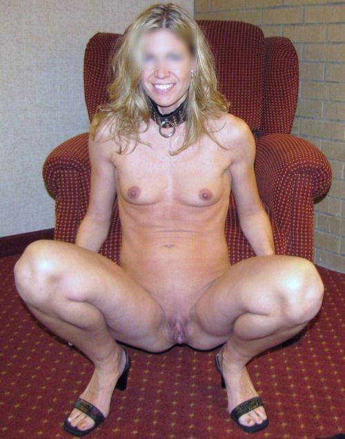 Blonde coquine pour sexe à domicile