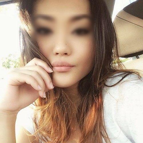 Etudiante asiatique veut découvrir le sexe made in France