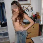 Brunette lyonnaise 19 ans mince et sexy pour plan à 3