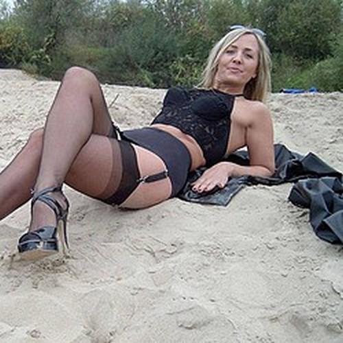Femme mure très exhib pour mateurs entreprenants à Miribel-Jonage