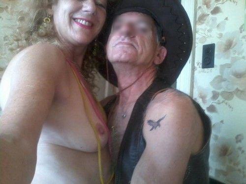Vieux couple cherche couple mur ou jeune pour sexe échangiste